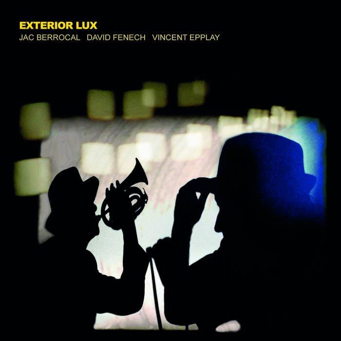 Exterior Lux LP
